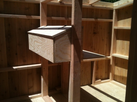The Two Rooms and Nesting Box without Interior Wall