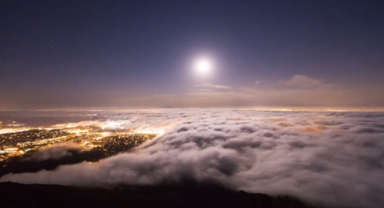 Arial view of SF Bay Area coastal fog by photographer Simon Christen
